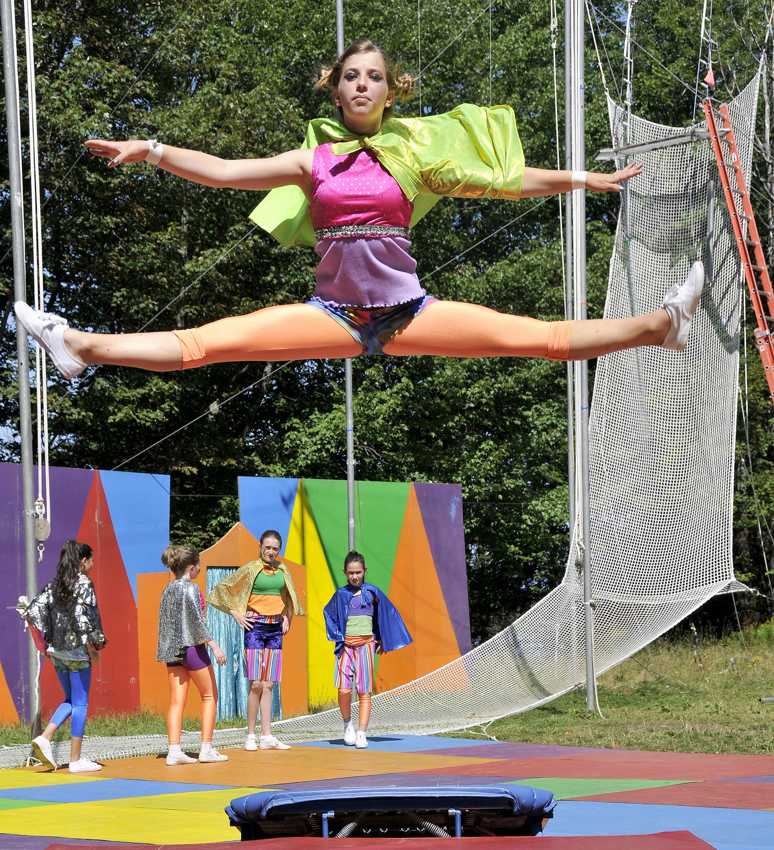 circus_camp_mini_tramp