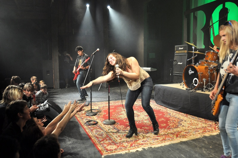 girs_rock_band_camp